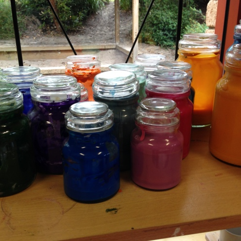 Use old coffee jars for paint